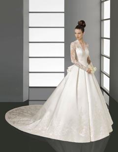 rochie princess la moda