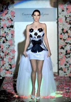 rochie de mireasa extravaganta