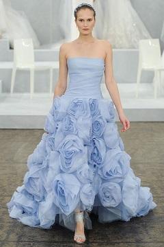 Rochie de mireasa albastra Monique Ihuillier