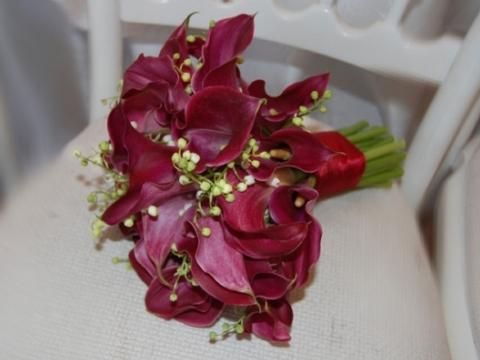 Buchet rosu mireasa