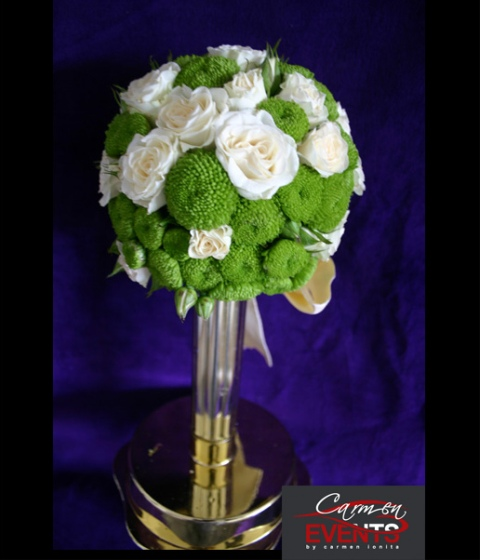 Buchet mireasa verde cu alb