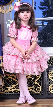 Poza rochita de nunta pentru fetite, roz pastelat, modele si volanase