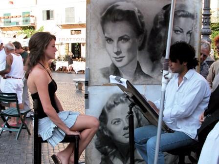 poza pictor si portret de femeie