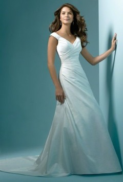 rochie de mireasa cu trena