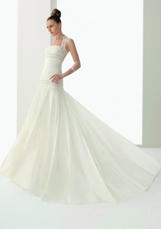 rochie de mireasa pentru femeile plinute