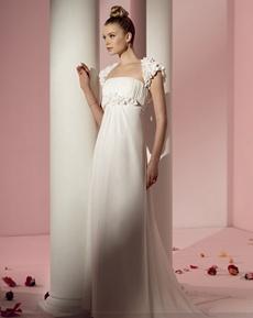 rochie de mireasa pentru femeile slabute