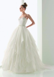 rochie de mireasa clasica