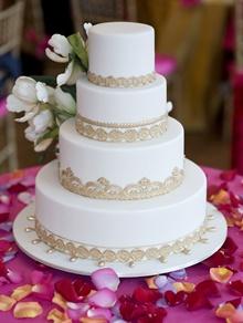 tort de nunta clasic