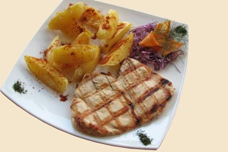 piept de pui si cartofi cu rozmarin