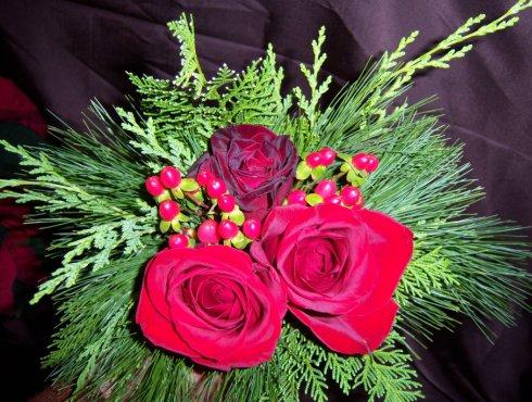 Buchet de mireasa rosu cu verde