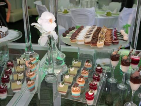 Bufet deserturi nunta