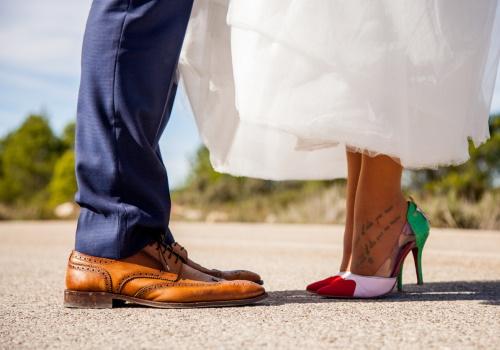 pantofi purtati de mire si mireasa