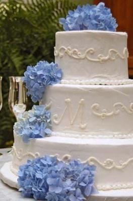 Aranjamente flori nunta vara 2012 tort nunta