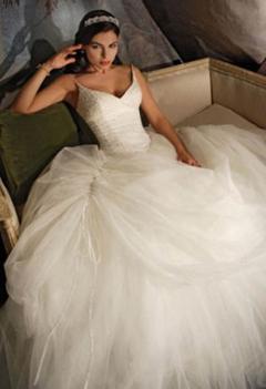 Rochie de mireasa de inchiriat stil printesa