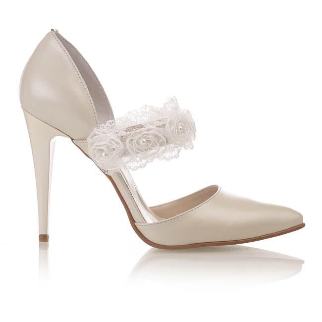 Pantofi din piele bej sidef cu dantela