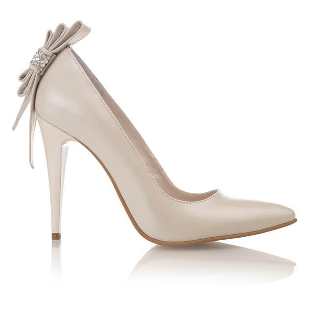 Pantofi din piele bej sidef cu accesorii strasuri