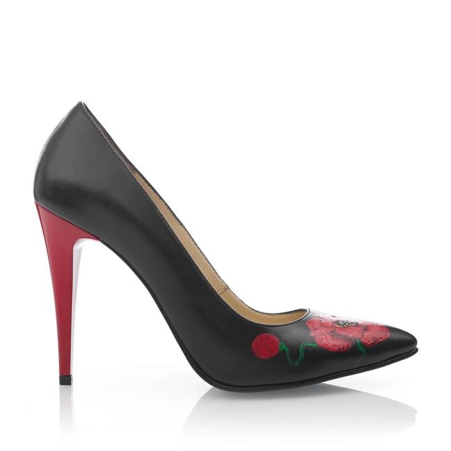 Pantofi din piele neagra pictati manual